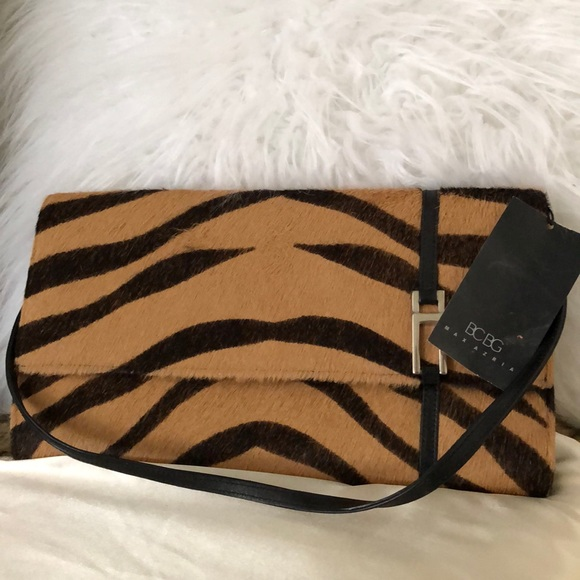 Handbags - Brand New 👜 Calf Hair Tiger Print Clutch